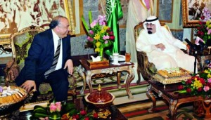 خادم الحرمين الشريفين ورئيس مجلس الشعب المصري (واس)
