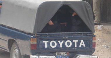 القبض على 3 عاطلين تحرشوا بطالبة